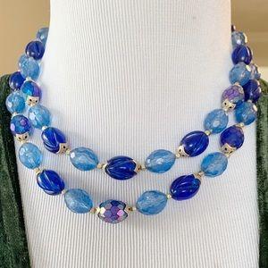 🎉5/20 SALE🎉 vintage blue beaded necklace
